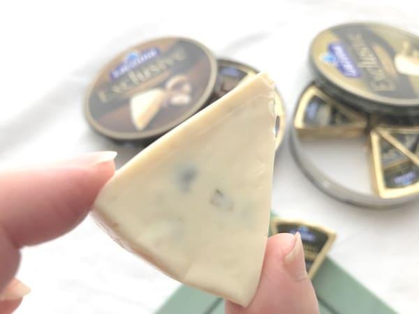 業務スーパークリーミーチーズ(オリーブ)